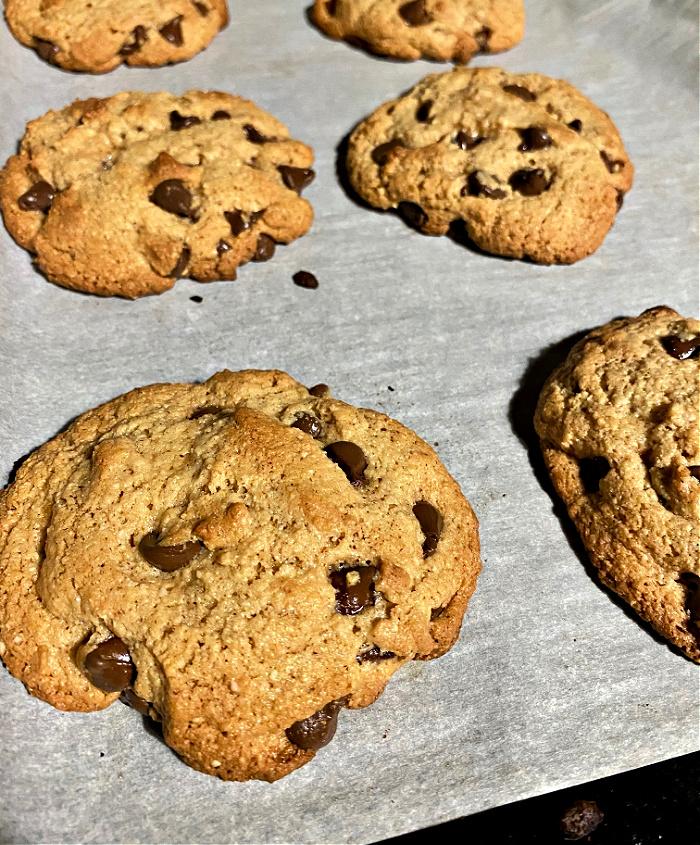 almond flour chocolate chip cookies-quarantine dessert recipes
