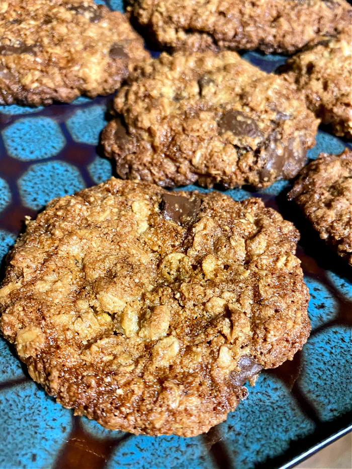 almond flour oatmeal chocolate chip cookies